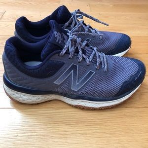 New Balance Women's Trail Walking Shoe Size 8